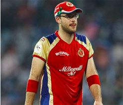 Bhajji`s superb show, poor batting cost RCB CL T20: Vettori