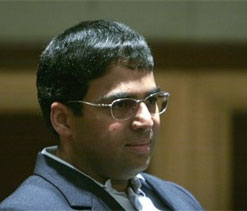 Anand looks to bounce back against Carlsen