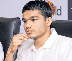 Vikas enters final, Dinesh settles for bronze
