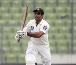 Umar, Azhar hit half-centuries