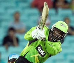 Gayle smashes Sydney to their second win in Big Bash