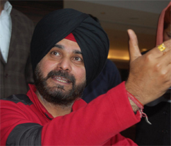 Navjot Singh Sidhu gets into scuffle over highway toll