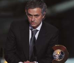 Mourinho donates Ballon d`Or for charity auction