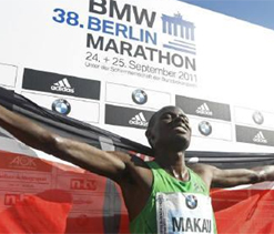Makau dethrones king of the roads Gebrselassie