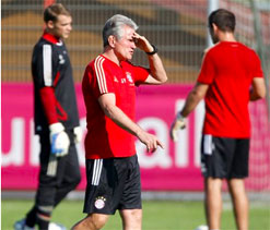 Bayern boss waiting on trio for City showdown