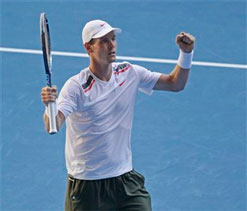 Berdych booed after controversial win over Almagro