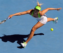 Sharapova cuts down Makarova as Murray marches on