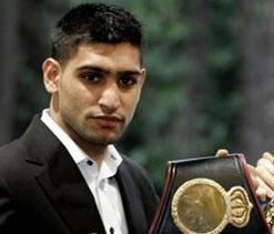 Khan eyeing Hatton 'world title' bout after Molina clash
