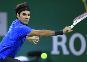 Roger Federer wins, to stay No. 1 for 300th week