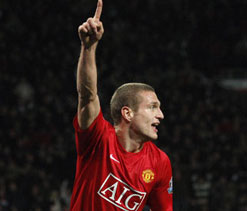 Manchester United consider shock Vidic sale amid Anzhi interest
