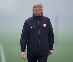 Wenger tells Arsenal fans playing in CL more important than winning FA Cup