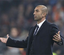 Di Matteo urges Chelsea bosses to retain Ashley Cole