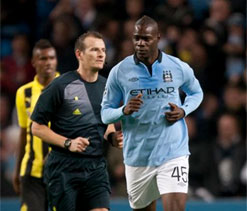Mario Balotelli rescues precious CL point for Manchester City