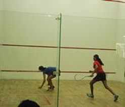 Pandole ousts Senthil to enter last four