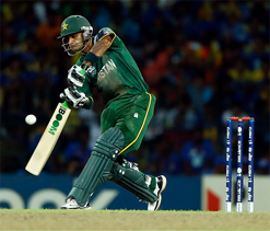 Hafeez claims team management dropped Razzaq from WC T20 Cup semi-final clash