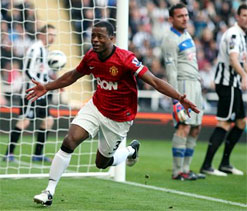 Manchester United 3-0 Newcastle: Evans, Evra & Cleverley fire visitors up to second