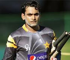 Sarfraz calls on ``most dishonest captain`` Hafeez to resign as T20 skipper