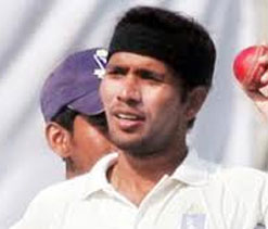 Stand-bye for a day, it`s back to Ranji Trophy for Dinda