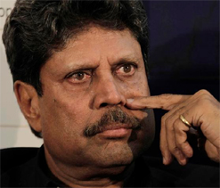 Bowlers are workers, batsmen officers: Kapil Dev