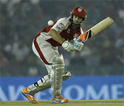 Gilchrist to play for Kings XI Punjab in 2013 IPL