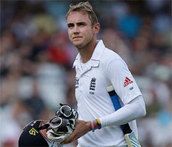 Broad slams Botham for criticising players following Ahmedabad Test rout