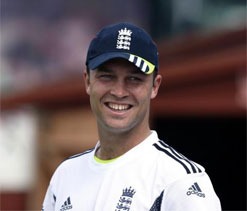 Trott blasts ex-players for their 'over the top harangues'