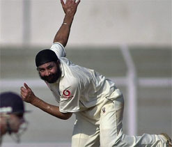 Hussain says Panesar deserves more England opportunities