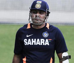 Sehwag sustains finger injury during Ranji Trophy game
