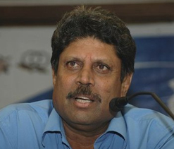 Let Sachin decide his retirement: Kapil Dev