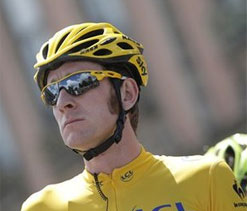 Bradley Wiggins hospitalised after suffering injury in bike crash