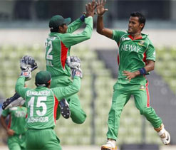 Bangladesh close in on Windies