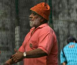 Bishan Bedi blasts at Nagpur pitch, calls it