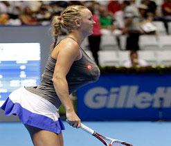 Wozniacki mimics Serena Williams on court