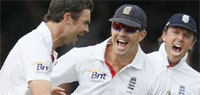 India slip yet again to give England the upper hand