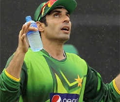 Misbah says good performance in T20s will earn Afridi place back in Pak ODI squad