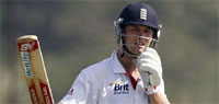 England keep India`s desperate victory attempts at bay