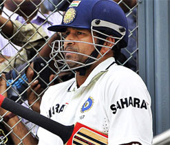 Crazy to stop playing for no reason, Anand to Tendulkar