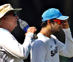 Time for Kohli to replace Dhoni as India captain: Gavaskar