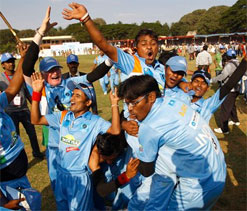 President felicitates India`s blind cricket team