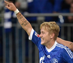 Liverpool target Holtby to leave Schalke on free transfer