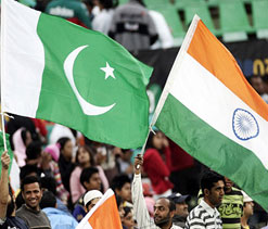 Indian and Pakistani teams arrive in Kolkata