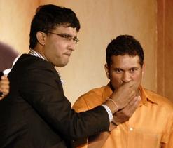 Stop criticising Tendulkar, says Ganguly