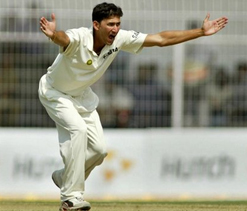 Agarkar returns from injury to lead Mumbai against Punjab