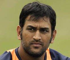 Dhoni`s behaviour with Dar unacceptable: Inzamam, Moin