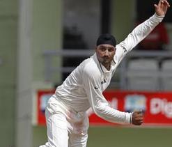Harbhajan hopes to get back into India Test XI
