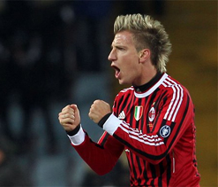 Milan top after 2-1 win at Udinese in Serie A