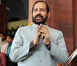 Kalmadi escaped IOC action by suspending himself