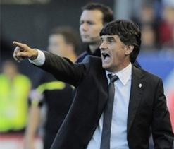 Coach Mendilibar renews contract with Osasuna