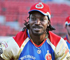Gayle drops in at hospital to meet injured girl Tia