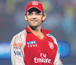 IPL 2012: Gilchrist does not want to see a repeat of pitch invasion